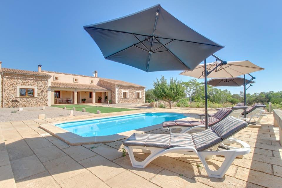Finca Brillante - moderne Finca mit Pool und 3 SZ