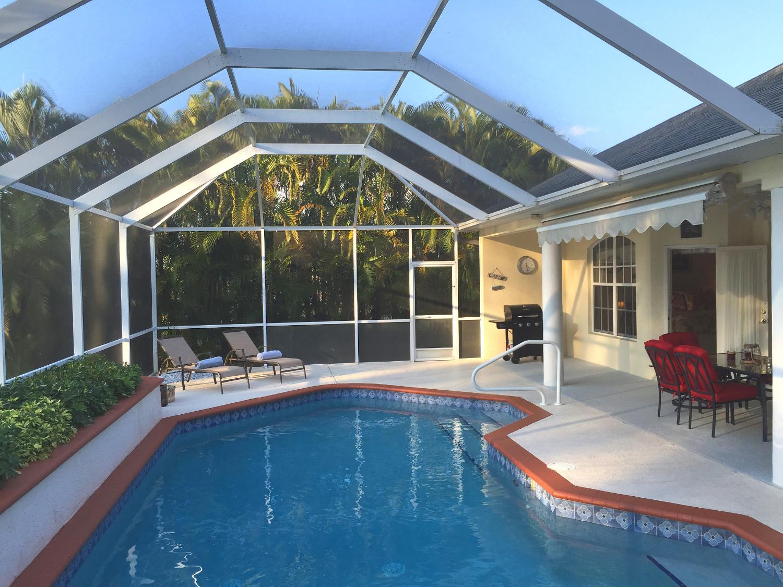 Villa Bellevue - Villa mit Pool, romantischem Wasserblick und Florida-Feeling pur